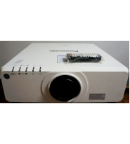 Panasonic PT-DX 820